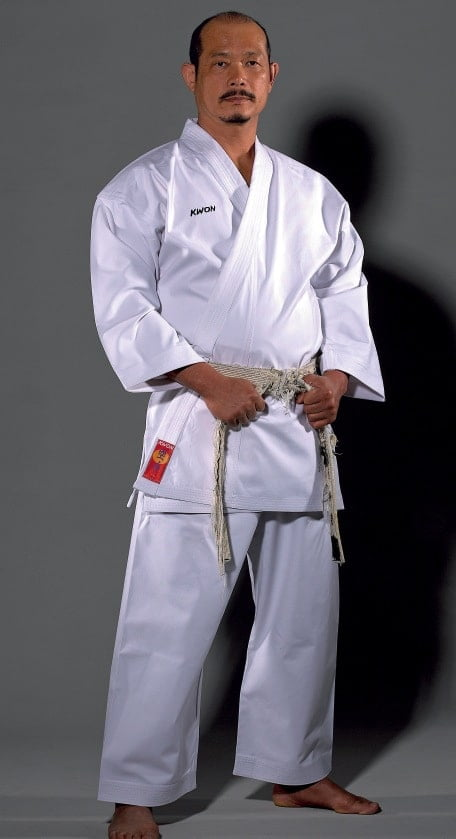 karate-gi-premium-line-13oz-kwon-maitre-japonnais-debout