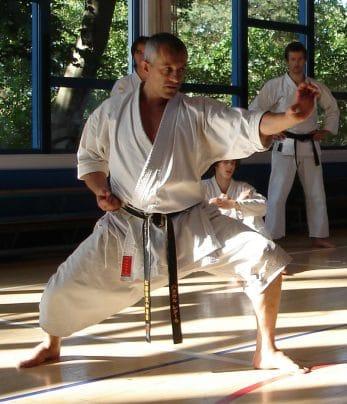 kimono-karate-gi-kamikaze-europa-fudo-dachi-tate-shuto