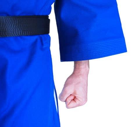 kimono-karate-gi-kamikaze-goshin-veste-bleue-coutures-manches