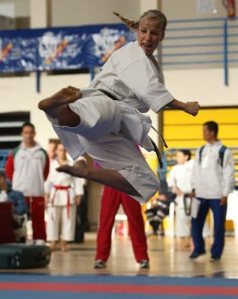 kimono-karate-gi-kamikaze-kata-wkf-tobi-yoko-geri