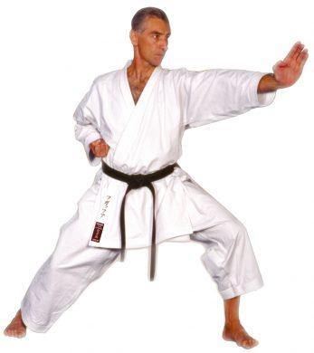 kimono-karate-gi-kamikaze-soreveign-zenkutsu-dachi-tate-shuto