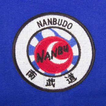 kimono-karate-gi-nanbudo-officiel-fujimae-veste-bleue-logo