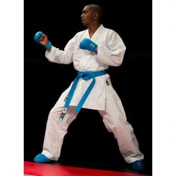 kimono-karate-gi-shureido-new-wkf-fighter-migi-kamae