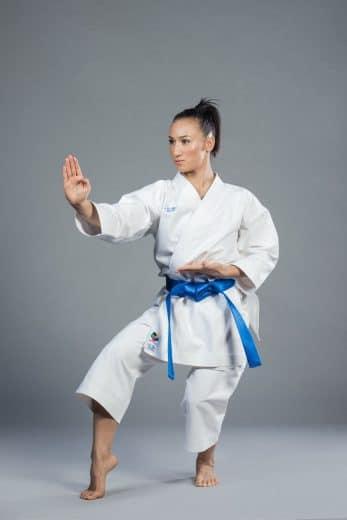 kimono-karategi-ko-italia-elegant-kata-wkf-neko-ashi-dashi