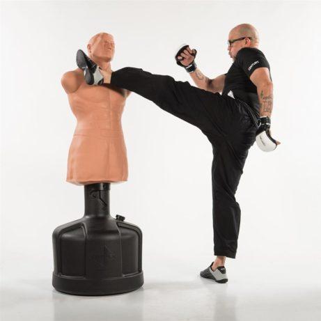 mannequin-de-frappe-big-bob-xl-century-high-kick-sur-karate-gi