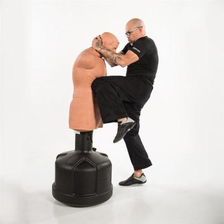 mannequin-de-frappe-big-bob-xl-century-hiza-geri-sur-karate-gi