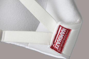 plastron-feminin-karate-semi-rigide-kamikaze-etiquette
